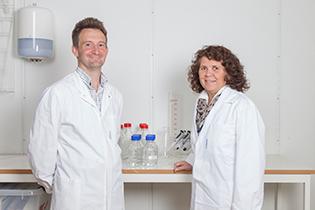 Doktor Inger Reidun Aukrust og Marcel Sandberg